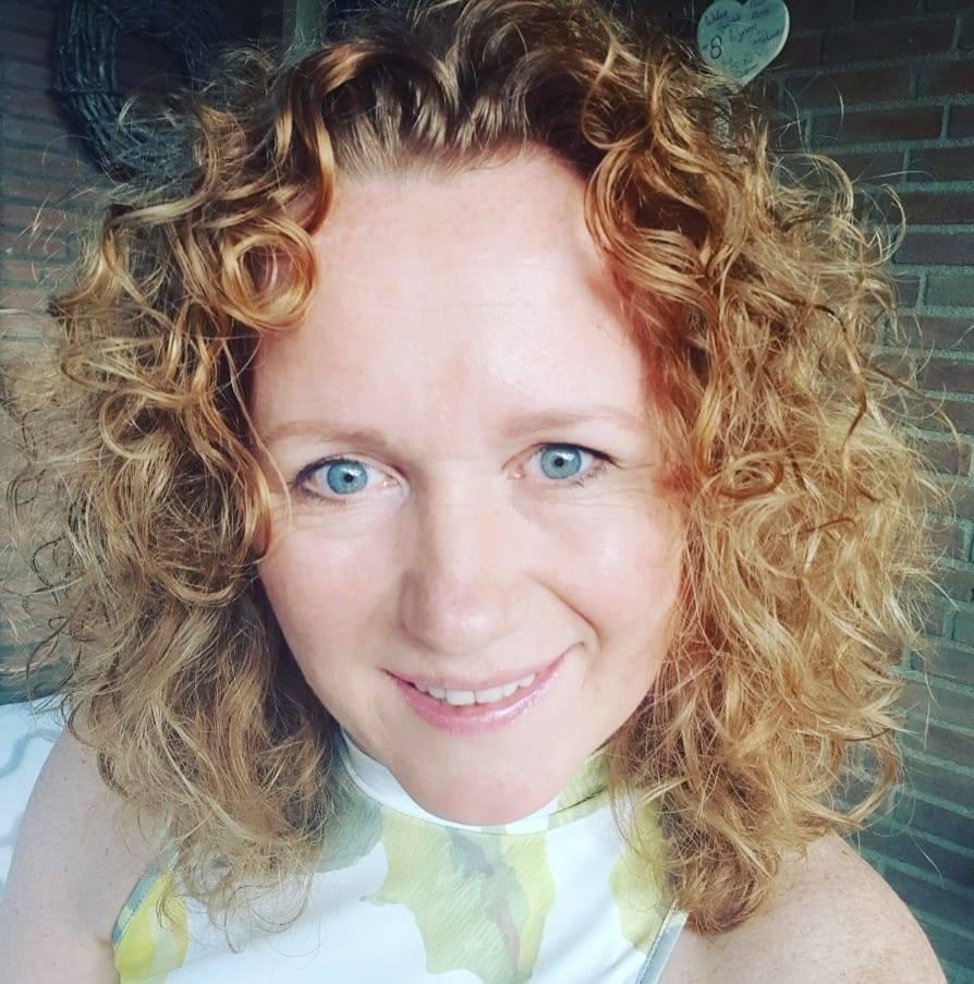 Renate Brouwer nagelstylist en educator CND